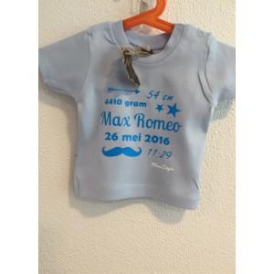Baby-blauw geboorte t-shirt (met je naam)