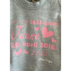 Baby-roze geboorte t-shirt hertje (met je naam)