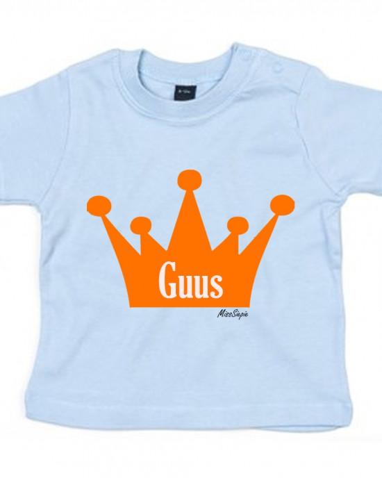 Baby-blauw t-shirt 'Orange Crown' (met je naam)